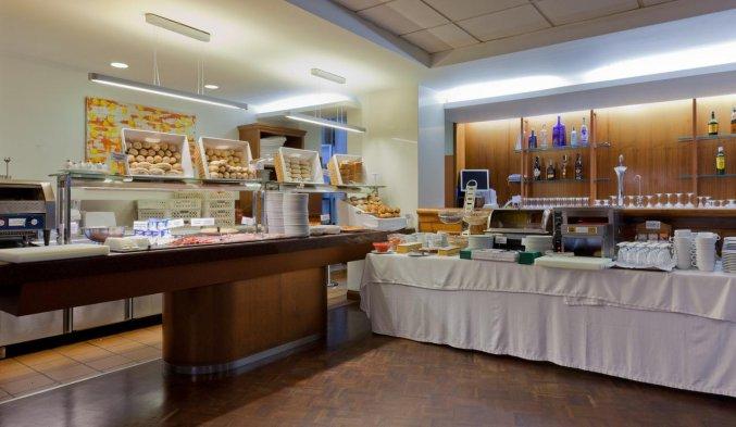 Ontbijtbuffet van Hotel Don Curro in Malaga