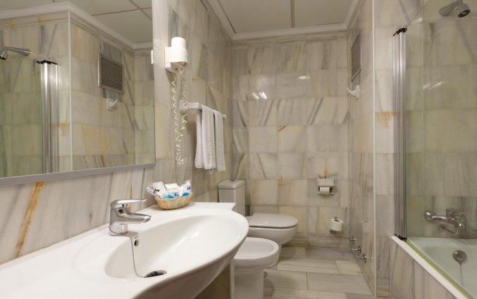 Badkamer van Hotel Don Curro in Malaga