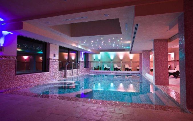 Binnenzwembad van Hotel Palace San Michele in Puglia