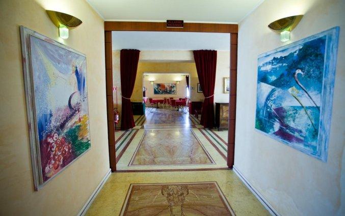 Gang van Hotel Palace San Michele in Puglia