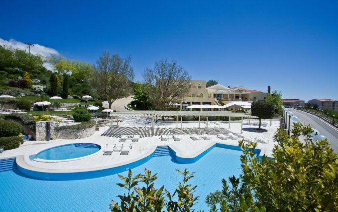 Buitenzwembad van Hotel Palace San Michele in Puglia