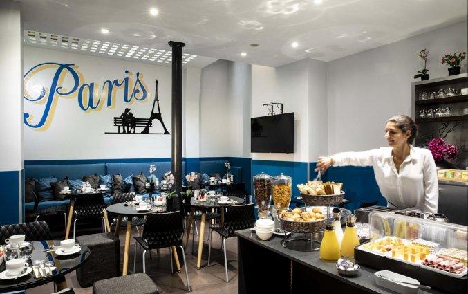 Ontbijtzaal van Grand Hotel Leveque in Parijs