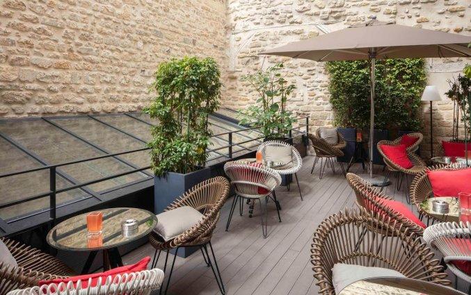 Terras van hotel Le 123 Sebastopol - Astotel in Parijs