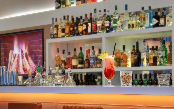 Bar van Hotel Hampton Inn Berlin City Centre Alexanderplatz in Berlijn