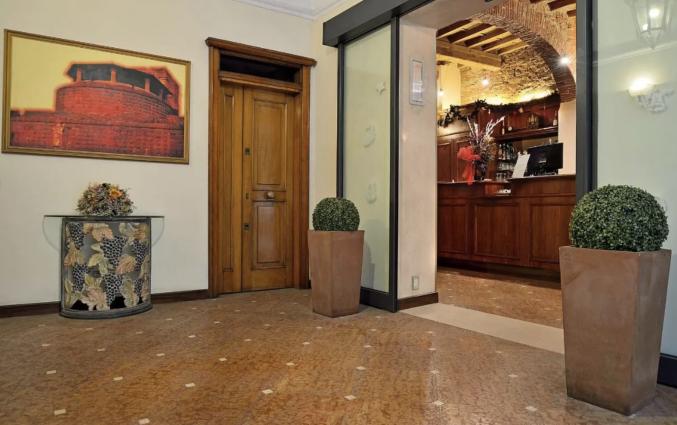 Ingang van hotel Porta Faenza