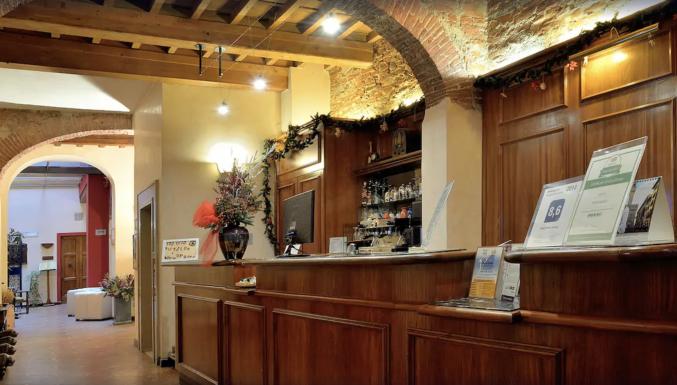 Receptie in hotel Porta Faenza