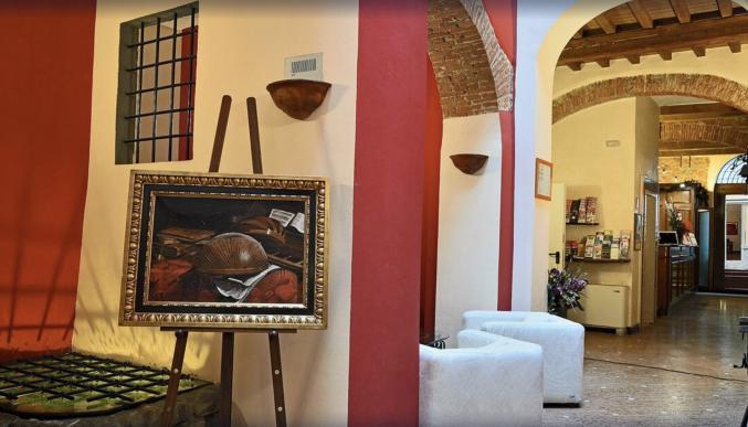 Gangen van hotel Porta Faenza