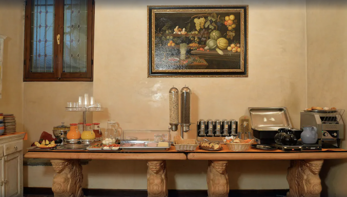 Eetkamer in hotel Porta Faenza