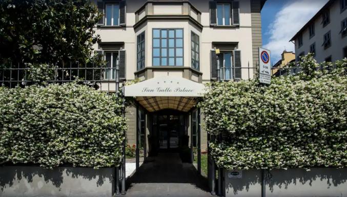Voorkant van hotel San Gallo Palace