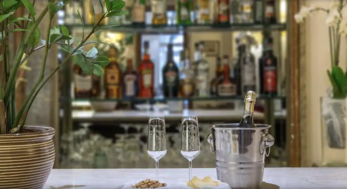 Bar in Hotel Machiavelli Palace