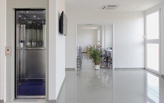 Lift en restaurant bij hotel Cantoria Florence