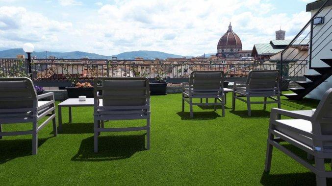 Zonneterras bij hotel Cantoria Florence