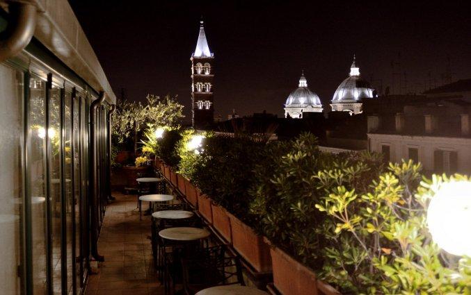 Dakterras van Hotel Palladium Palace Rome