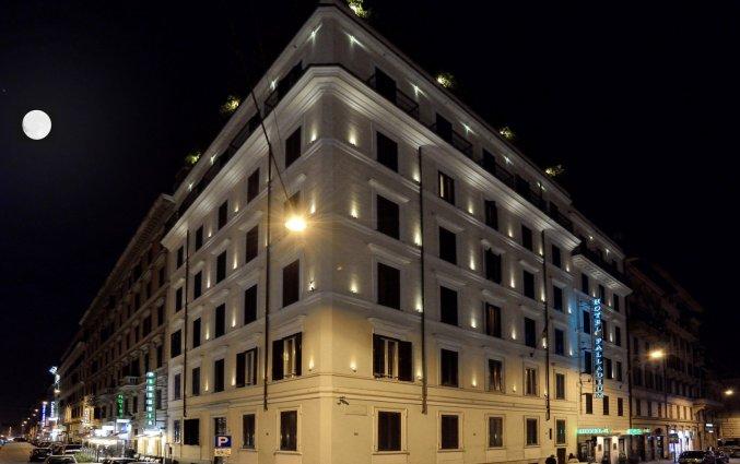Gebouw van Hotel Palladium Palace Rome