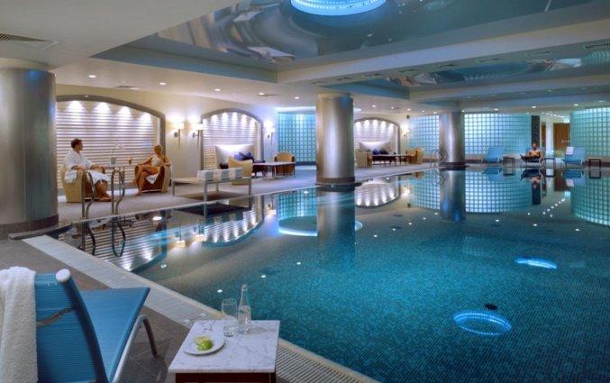 Zwembad van Hotel Regent in Warschau
