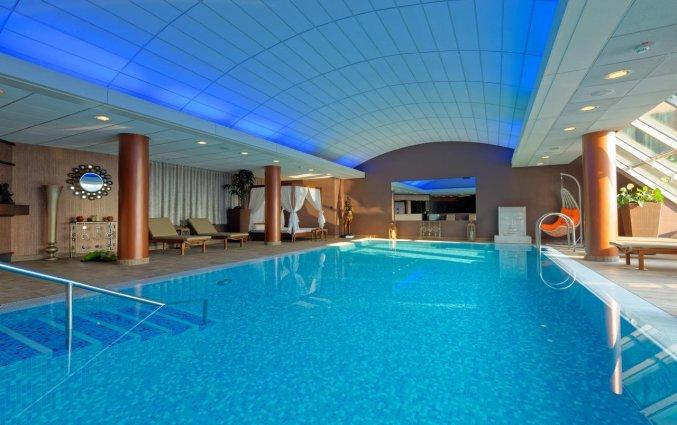 Zwembad van het uHotel in Ljubljana