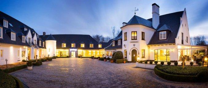 Buitenaanzicht van Hotel Restaurant Weinebrugge