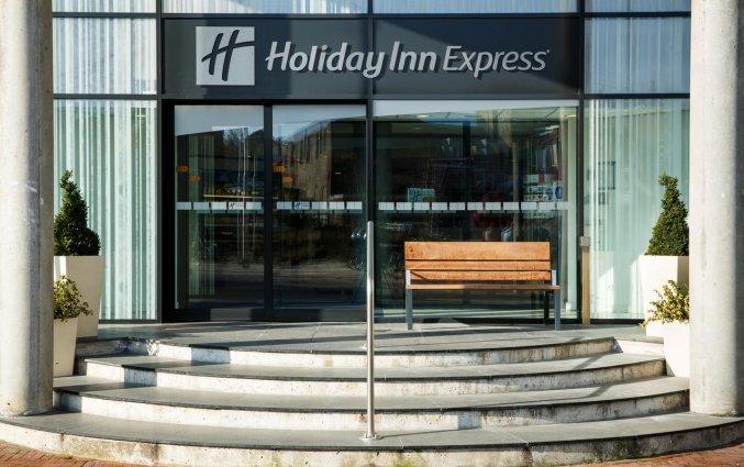Ingang van Hotel Holiday Inn Express in Arnhem
