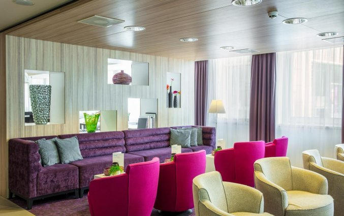 Lounge van Hotel Holiday Inn Express in Arnhem