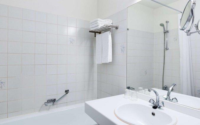 Badkamer van NH Arnhem Rijnhotel in Arnhem