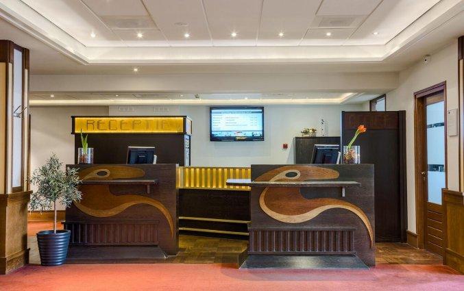 Receptie van Hotel Oranje Leeuwarden in Leeuwarden