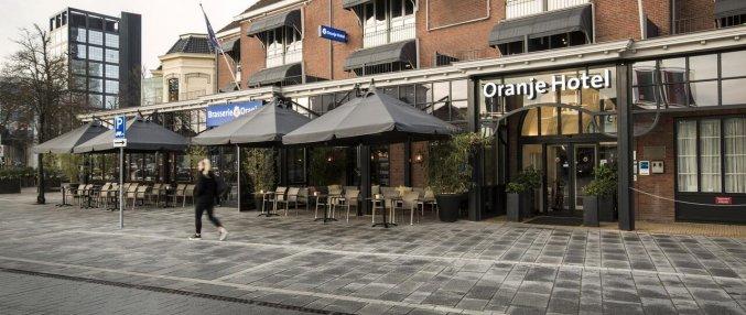 Gebouw van Hotel Oranje Leeuwarden in Leeuwarden