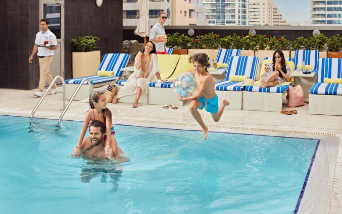 Zwembad van hotel Wyndham Dubai Marina
