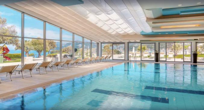 Binnenzwembad van Hotel Valamar Argosy in Dubrovnik
