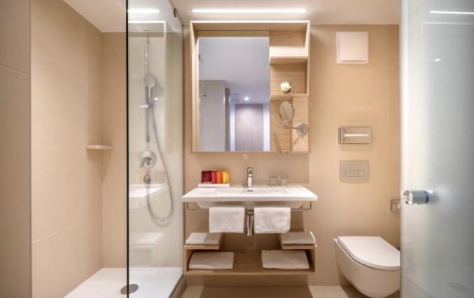 Badkamer in de slaapkamer van Hotel Valamar Argosy