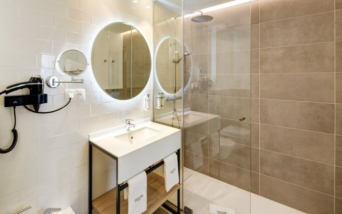 Badkamer van een tweepersoonskamer van Hotel Sercotel Ayala in Bilbao