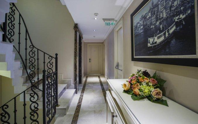 Gang van Hotel Raymond Istanbul