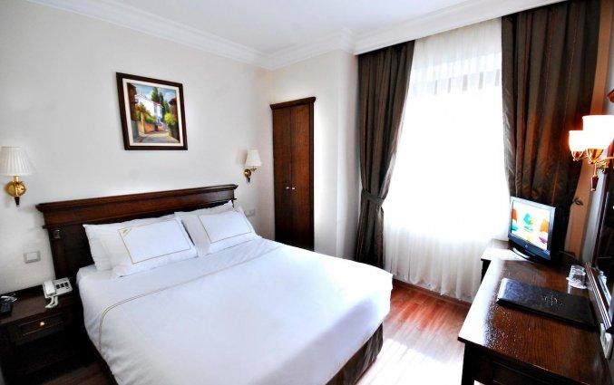 Tweepersoonsbed van Golden Crown Hotel Istanbul