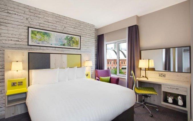 Tweepersoonskamer van hotel Jurys Inn Manchester City Centre