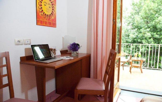 bureau met balkon van hotel residance san pietro