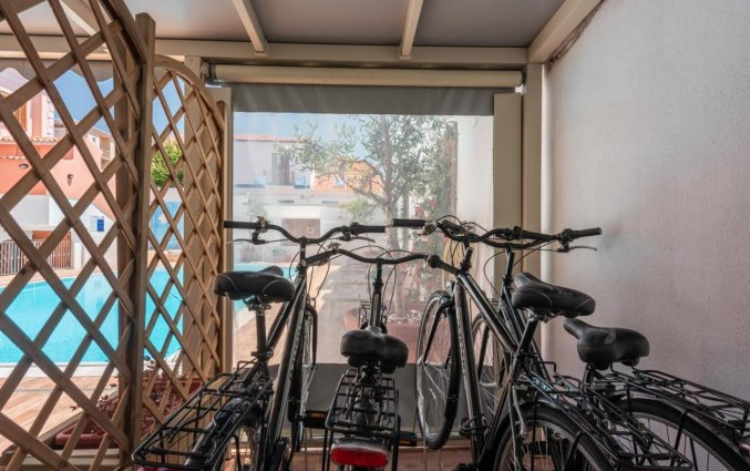 Huurfietsen van Residence Cristal Blu op Sardinie