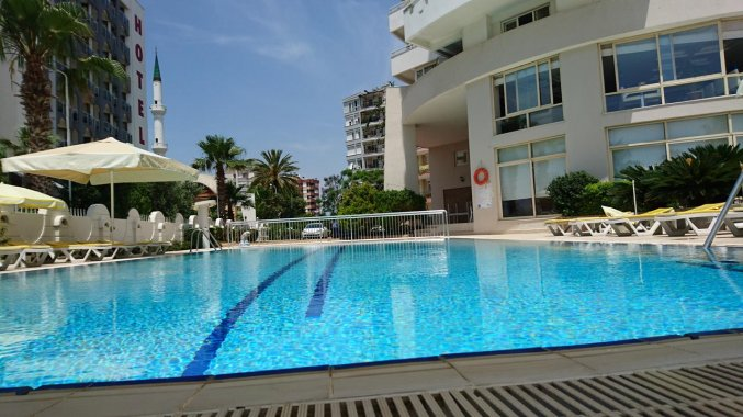 Zwembad van Hotel The Corner Park in Antalya