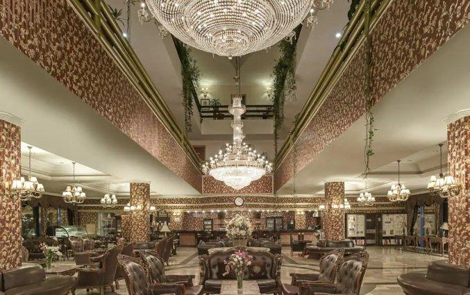 Lobby van Hotel & Resort Botanik in Side