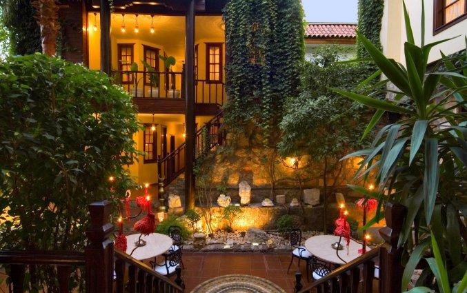 Tuin van Hotel Alp Pasa in Antalya