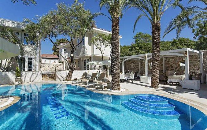 Zwembad van Hotel Elegance East in Antalya