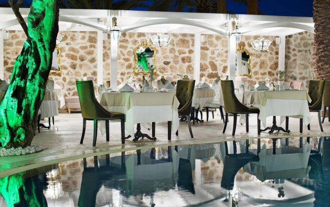 Terras van Hotel Elegance East in Antalya