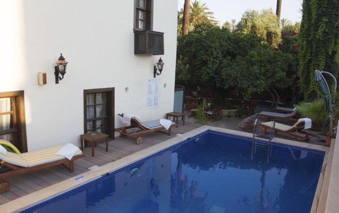 Zwembad van Hotel Deja Vu Otel Kaleici in Antalya