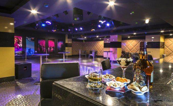 Nachtclub van Hotel Lara Family Club in Antalya