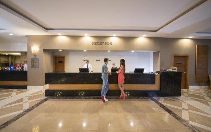 Receptie van Hotel Lara Family Club in Antalya