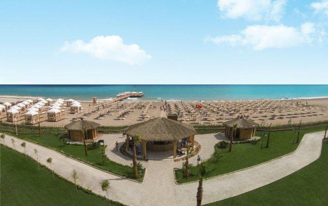 Strand van Resort en Spa Aska Lara in Antalya