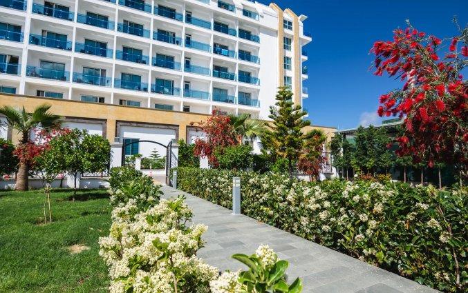 Tuin van Resort The Lumos Deluxe & Spa in Alanya