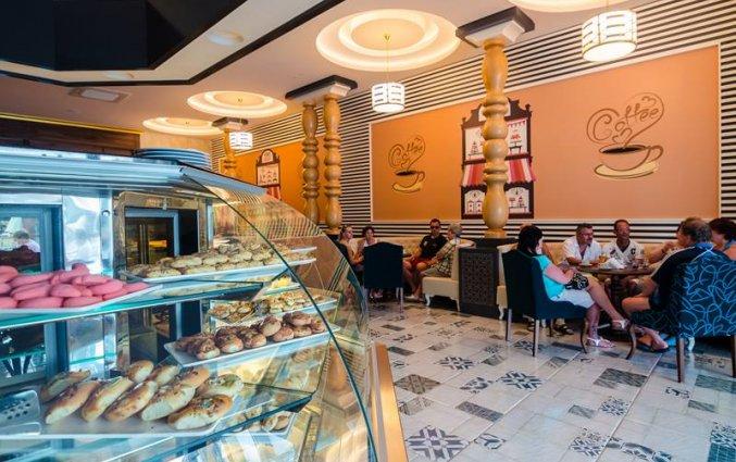 Koffiebar en café van Resort The Lumos Deluxe & Spa in Alanya