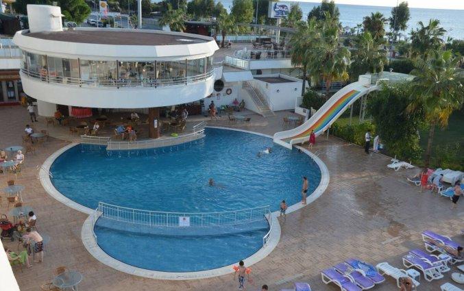 Buitenzwembad van Hotel Drita in Alanya