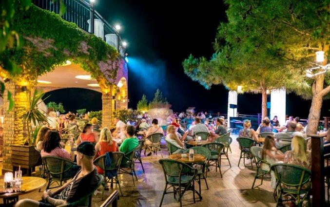 Terras van Hotel Utopia World in Alanya