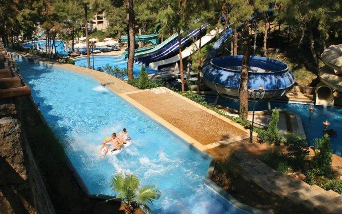 Buitenzwembad, waterglijbanen en aquapark van Hotel Utopia World in Alanya