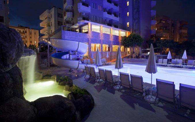 Zwembad van Hotel Monart City in Alanya